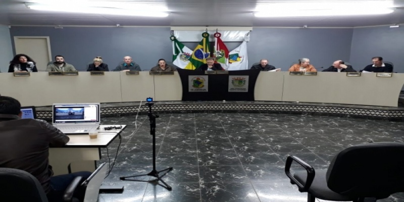 Vereadores de São Domingos votam e aprovam em primeiro turno Projeto para adequar Regimento Interno da Casa Legislativa