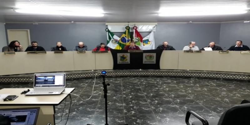 Vereadores de São Domingos discutam, votam e aprovam Projetos, Emendas e Indicação na primeira Sessão Ordinária de Julho
