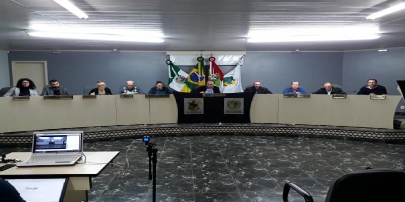 Vereadores de São Domingos aprovam por unanimidade uma Redação Final, um Projeto de Lei e uma Moção de Aplauso