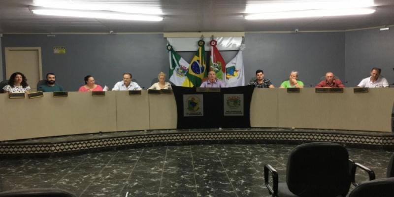 Legislativo reuniu-se nessa terça-feira, dia 12, para a Segunda Sessão Ordinária do mês